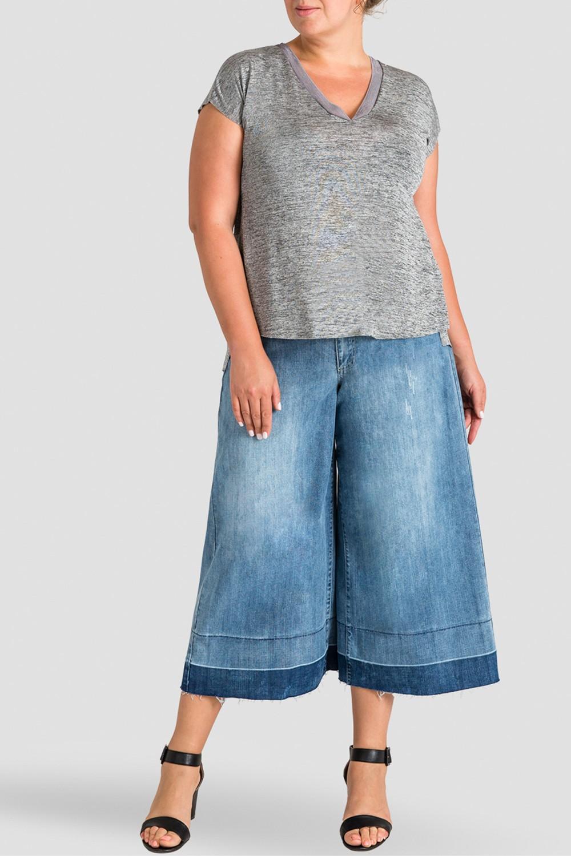 Plus Size Women's Undone Raw Hem Frayed Cropped Jeans