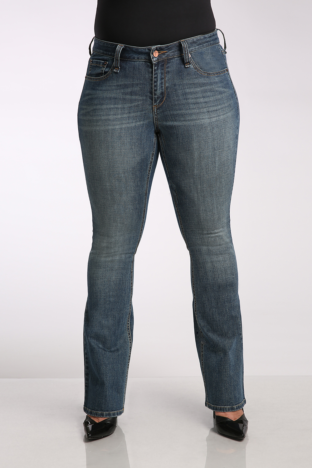Bootcut Jeans Midrise w/ Flare