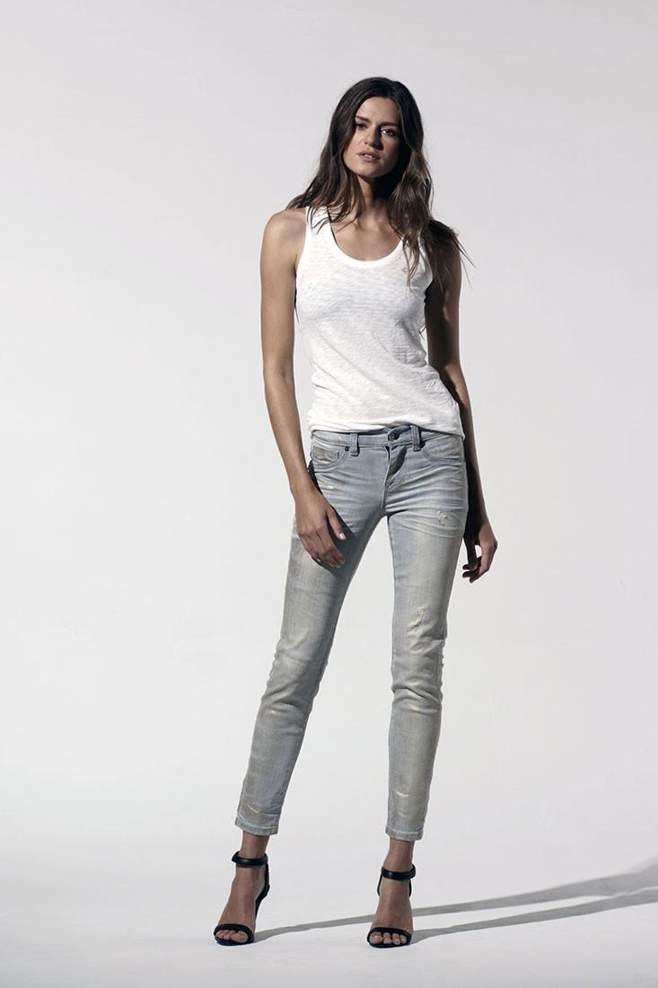 Women Light Wash Metallic Ankle Jeans