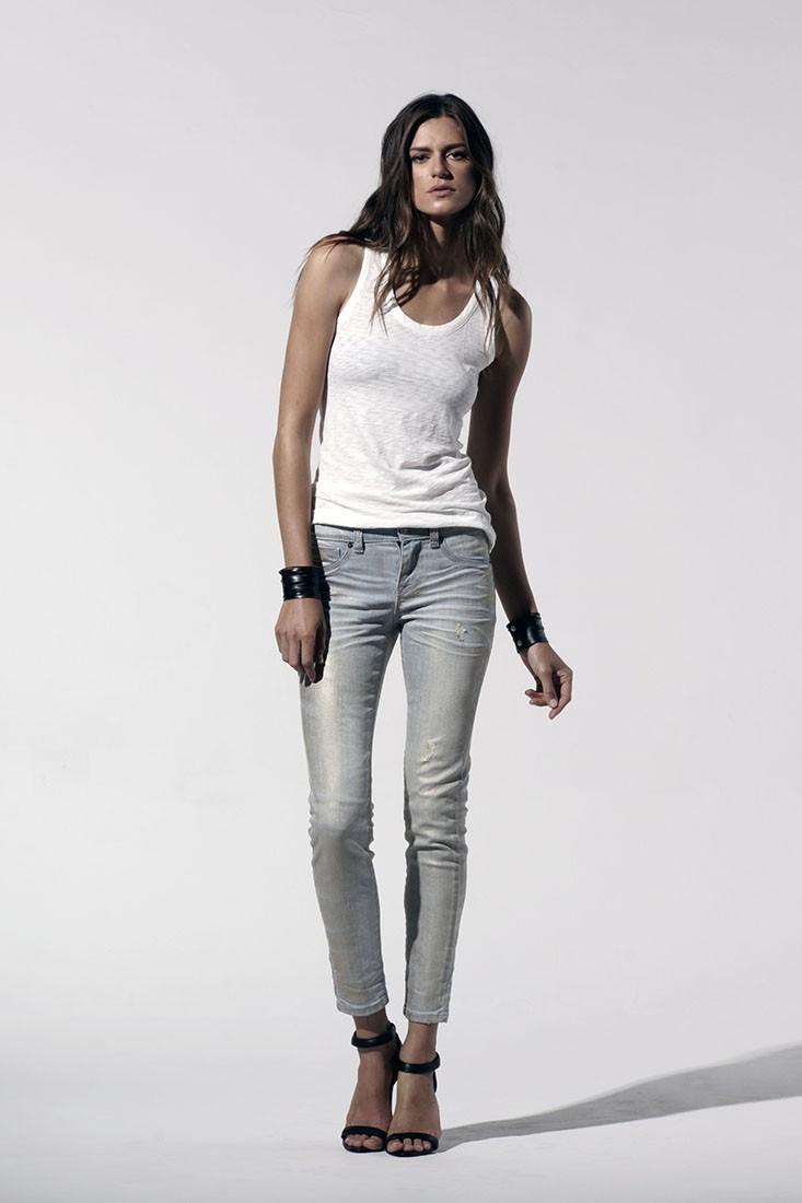 Women Metallic Light Wash Ankle Jeans