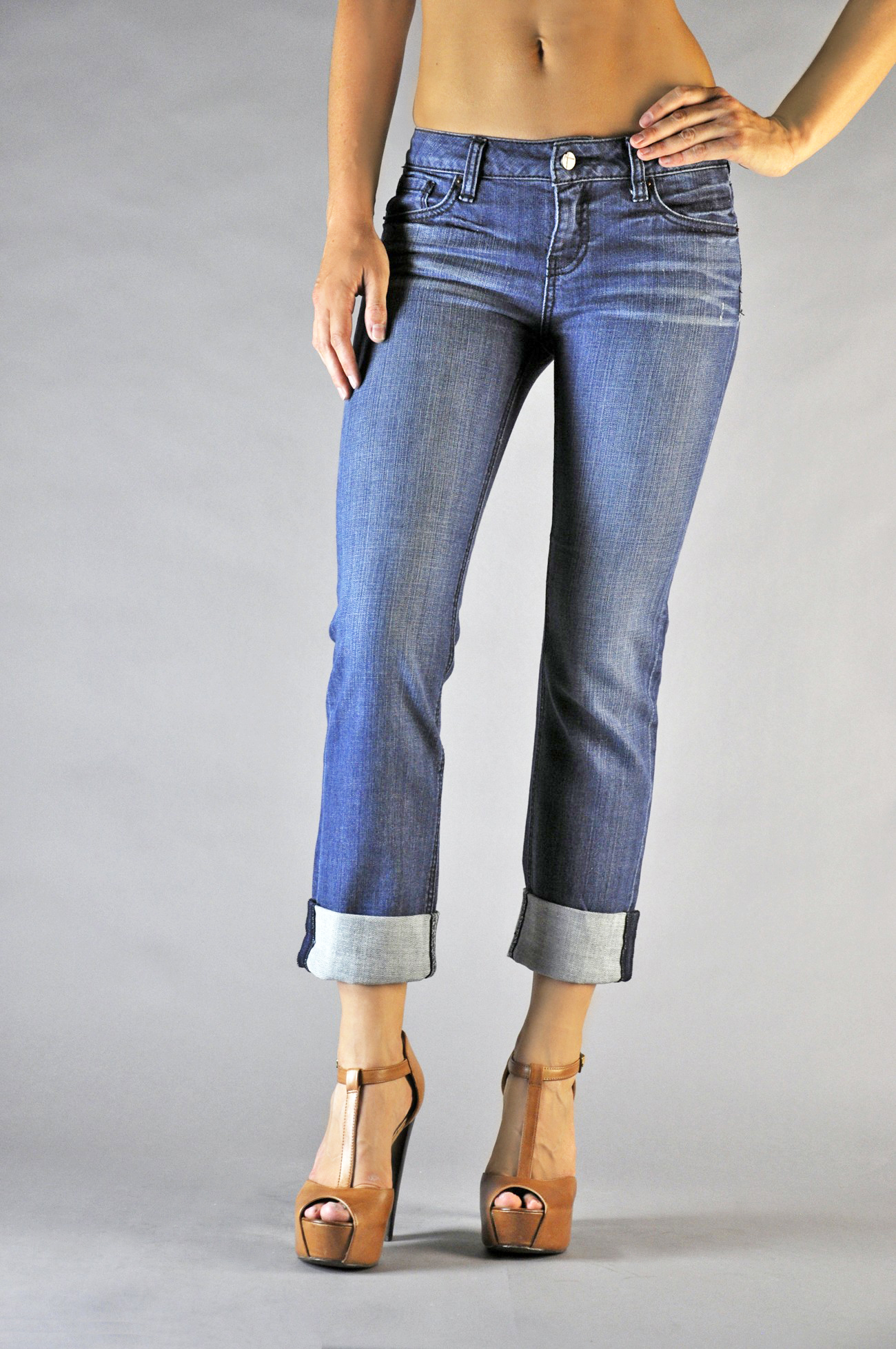 Women Blue Denim Rolled Jeans