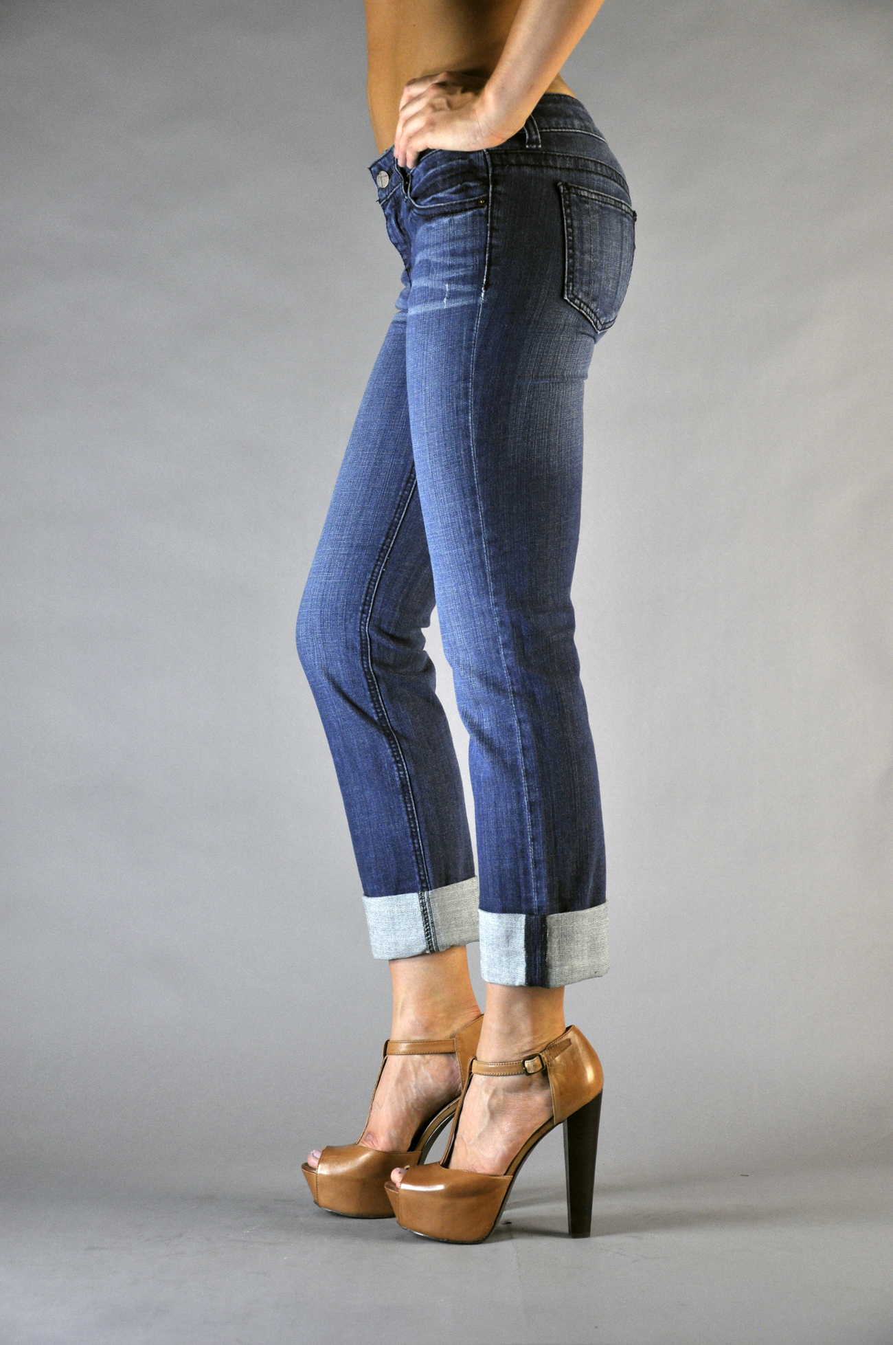Women Indigo Denim Rolled Jeans