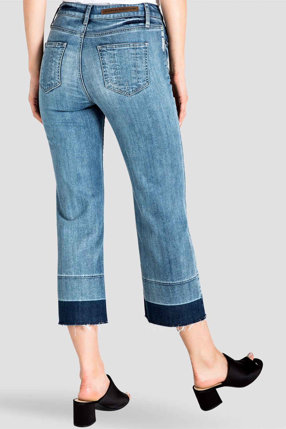 Standards & Practices Women's Frayed Cropped Jeans